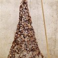 """A Roma la XIX edizione della Mostra """"Il Natale dei 100 Alberi d'Autore"""" Ada Distefano. A Natale le città si colorano, si illuminano, ogni luogo si impreziosisce e si arricchisce di quell'atmosfera magica, delicata e gioiosa che questo evento porta. L'abete adornato, simbolo universale del Natale, con le mille luci […]"""