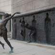 (poesia ispirata allinstallazione Freedom di Zeno Frudakis) Di Raffaella Iannetti Domattina,  nel meriggio delle mie sensazioni, mi domander del mio corpo e di dove abbia assaggiato sconosciute esistenze quando la coltre chiudeva i miei occhi e quando il sole brillava tra le mie pupille &#8230;. dormiente, adagiato in un&#8217;emozione...